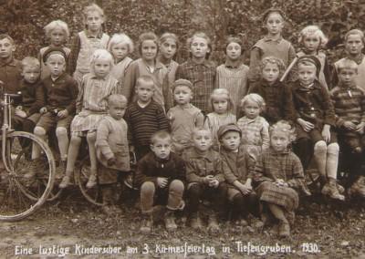Kirmes_Kinderschar-1930