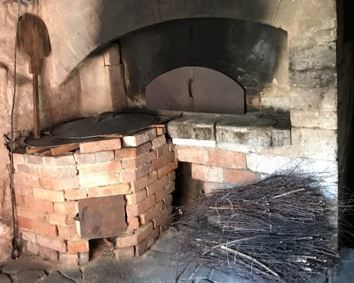 Alter Backofen, Schwarze Küche