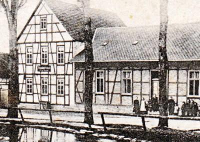 """Haus Nr. 10 - Bis 1990 unter dem Namen """"Zur Socke"""" als Gaststätte betrieben"""