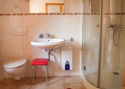 Ferienwohnung Radüns, Badezimmer